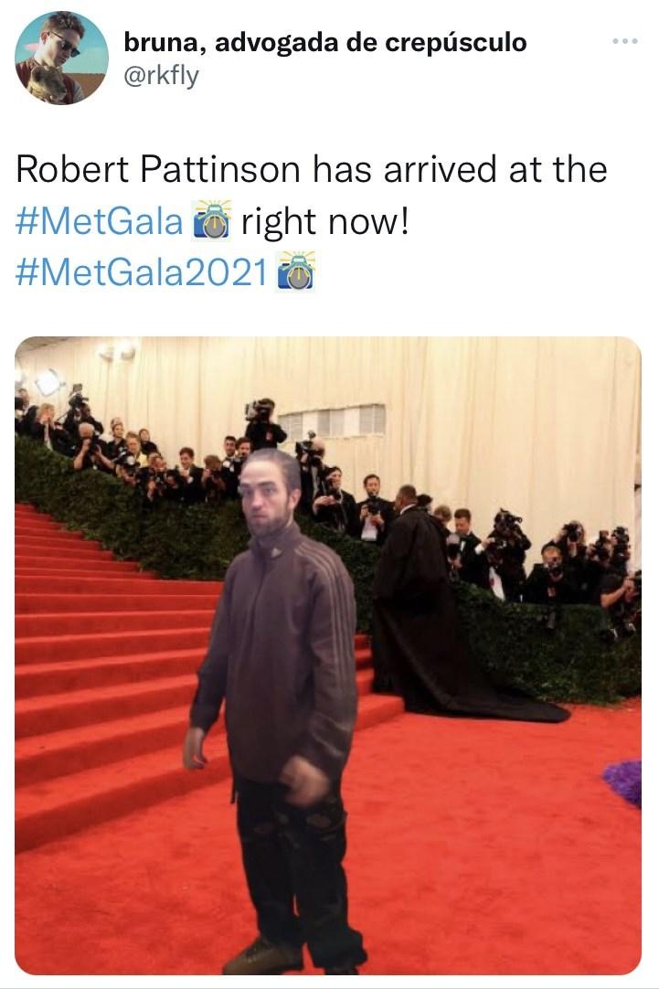Product - bruna, advogada de crepúsculo @rkfly Robert Pattinson has arrived at the #MetGala right now! #MetGala2021 O