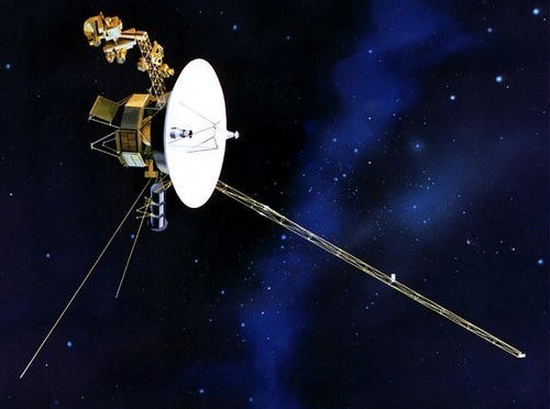 voyager 2 probe sends it's first message from outside the galaxy