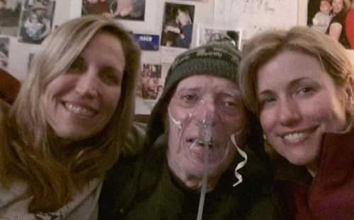 Comedian Laurie Kilmartin Takes to Twitter to Deal With her Father's Declining Health in a Beautiful, Hilarious Way