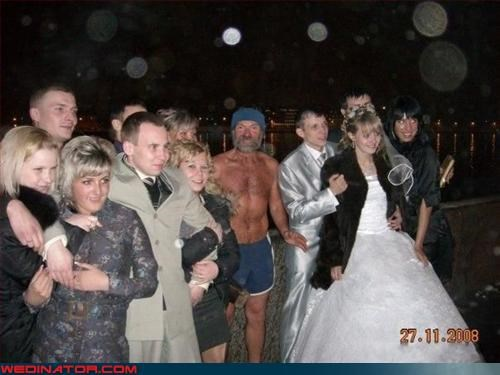Naked Russian gatecrashes wedding