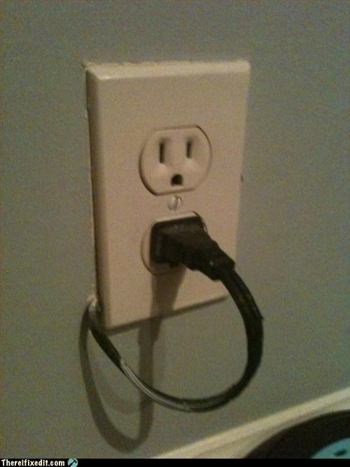 electrical outlet,plug,wait wut,wiring