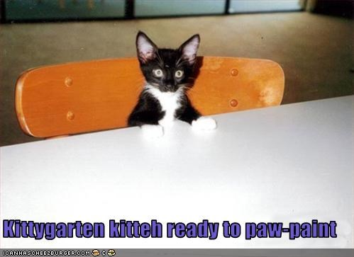 Kittygarten kitteh ready to paw-paint