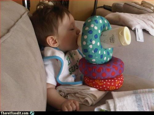 baby,bottle,propped up
