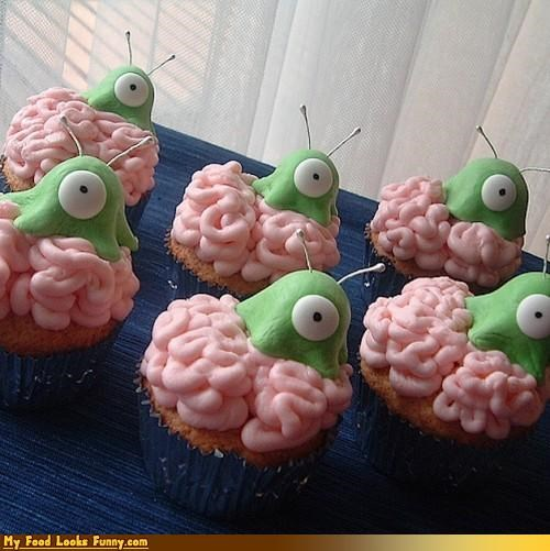 brain slugs,cupcakes,free will,futurama,must eat cupcakes,Sweet Treats