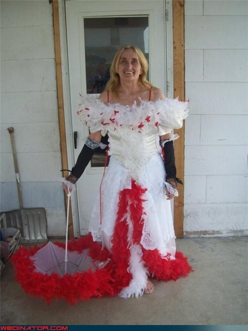 bride,Crazy Brides,crazy wedding dress,eww,fashion is my passion,funny wedding photos,menstrual hemorrhage,recital umbrella,surprise,terrible wedding dress,ugly wedding dress,wedding dress with blood,white trash wedding,wtf,wtf is this