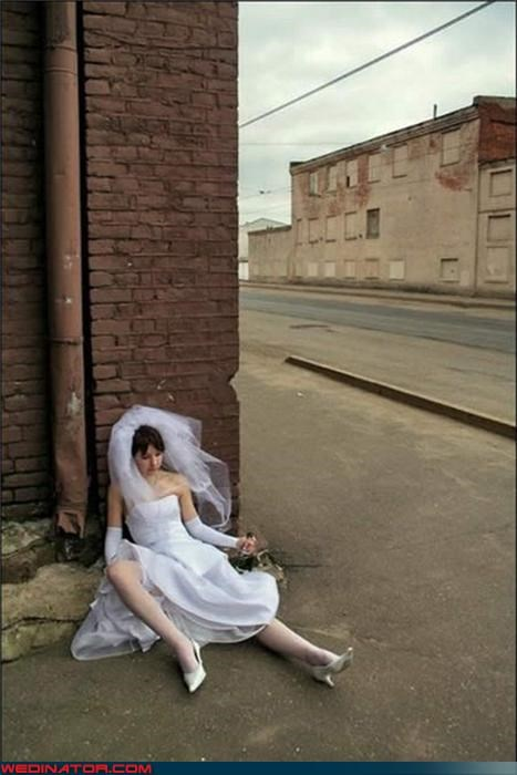 al fresco bride boozing,bride hits the bottle,bride on the ground,Crazy Brides,drinking on the sidewalk,drunk bride,fashion is my passion,funny bride picture,Funny Wedding Photo,technical difficulties