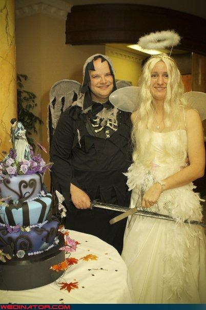 bride dressed as an angel,corpse bride,corpse bride wedding cake,costume themed wedding,Crazy Brides,crazy groom,fashion is my passion,funny wedding photos,groom costume,halloween,Halloween themed wedding,surprise,tim burton wedding cake,were-in-love,Wedding Themes,weird couple,wtf,wtf is this