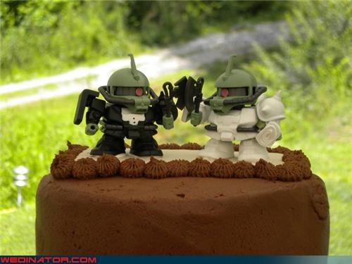 cake topper,cake toppers,confusing,cute cake topper,Dreamcake,funny wedding photos,Kid Robot cake topper,nerds,nerdy wedding cake,random robots,robot cake topper,Wedding Themes,wtf