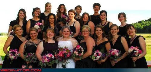 18 bridesmaids picture,bride entourage,Crazy Brides,fashion is my passion,funny bridesmaids picture,funny wedding picture,hella bridesmaids,too many bridesmaids,wedding party,wtf