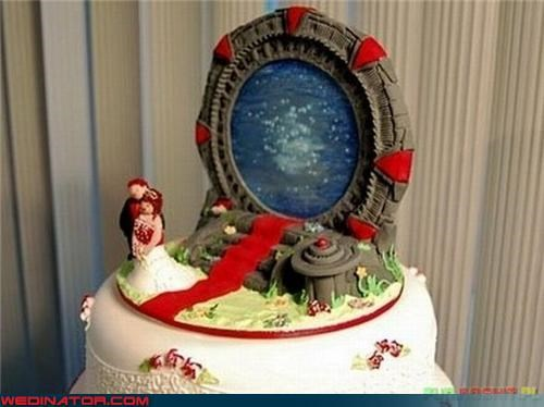awesome wedding cake,Dreamcake,funny wedding cake,nerds,nerds in love,nerdy wedding cake,stargate themed wedding cake,themed wedding cake,Wedding Themes