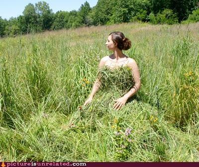 babe,costume,dress,fashion,grass,nature,wtf