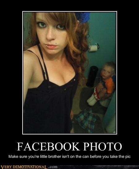 babe,bathroom time,idiots,inopportune time,kids,photobomb,piercing,toilet