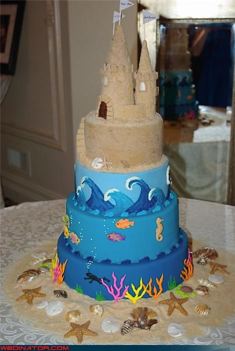 beach-themed wedding cake,confusing,Dreamcake,eww,funny wedding photos,sand cake topper,sand wedding cake,technical difficulties,themed wedding cake,unappetizing wedding cake,Wedding Themes,wtf,wtf is this