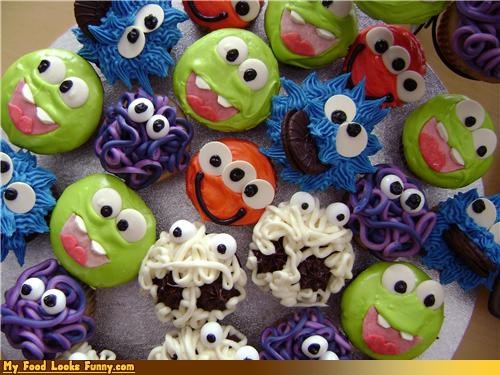 cupcakes,faces,icing,monster cupcakes,monster,Sweet Treats