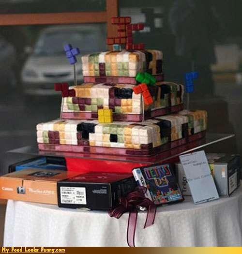 Funny Food Photos - Tetris Cake
