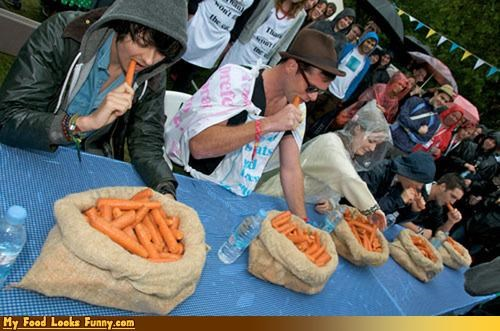 Funny Food Photos - Carrot Eating Contest