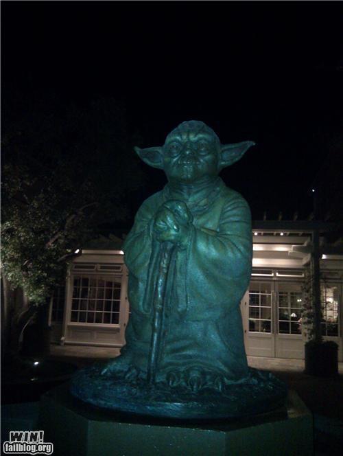 nerdgasm,star wars,statue,wtf,yoda