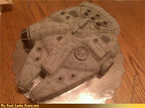 Funny Food Photos - Millennium Falcon Cake