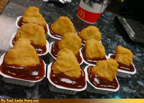 Funny Food Photos - McNuggets With Too Much Dipping Sauce