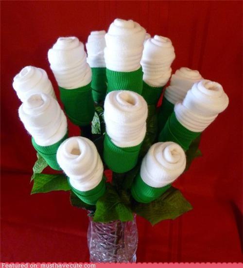 bouquet,roses,socks,valentine
