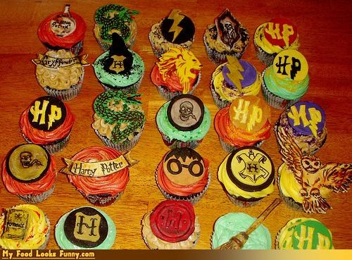 chocolate,cupcakes,fondant,frosting,Harry Potter,slytherin