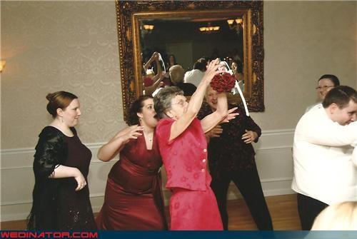 bouquet catch,bouquet grab,bouquet toss,funny wedding photos,grandma
