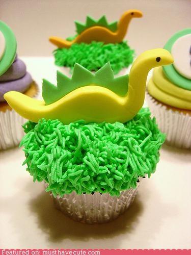 cupcakes,dinosaurs,epicute,fondant,frosting,grass