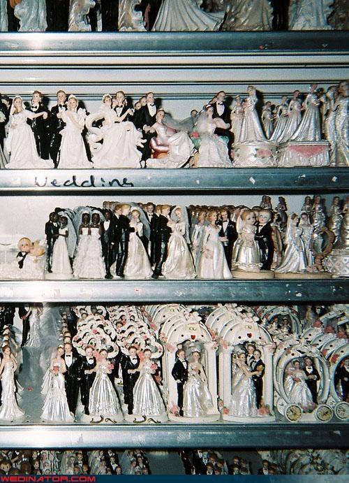 cake toppers,funny wedding photos,wedding cake
