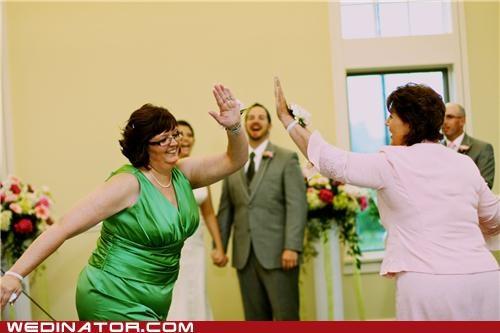 funny wedding photos,high five,moms
