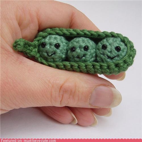 amigurumu,mini,peas,peas in a pod,yarn