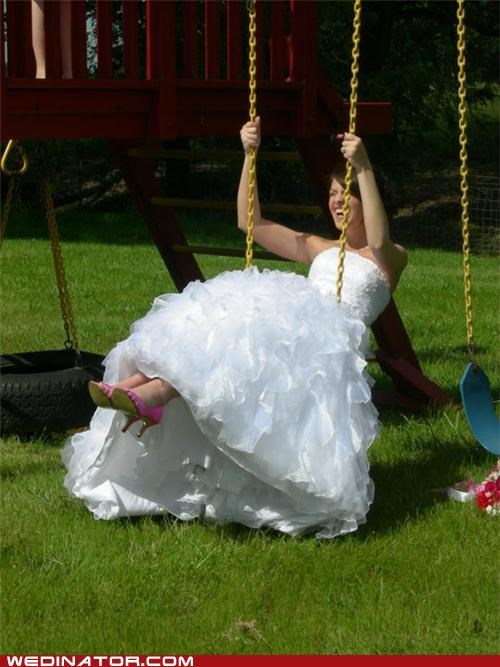 bride,funny wedding photos,swing
