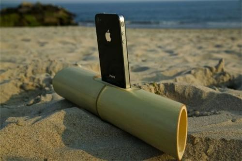 Bamboo iPhone Dock of the Day