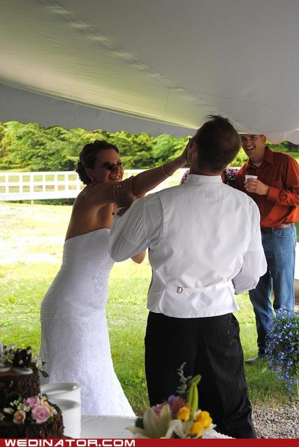 bride,cake,funny wedding photos,groom