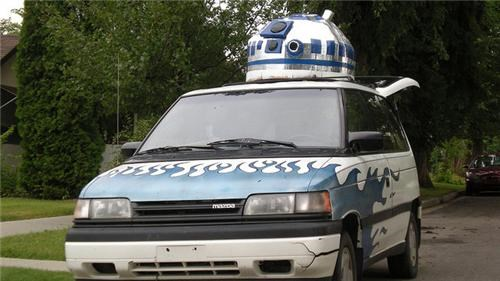 R2-D2 IRL of the Day