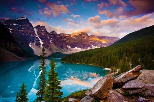 Moraine Lake, Banff National Park, Alberta CA