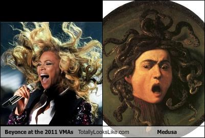 Beyonce At The 2011 VMAs Totally Looks Like Medusa