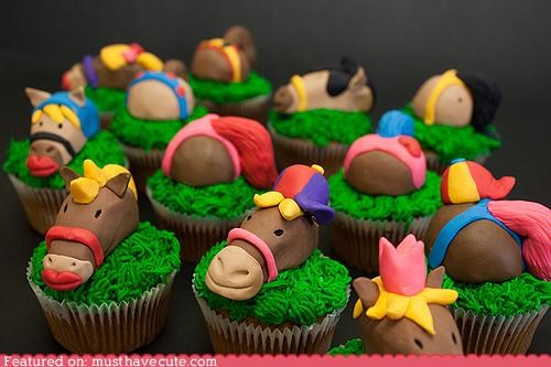 butts,cupcakes,epicute,fondant,grass,heads,horses,tails