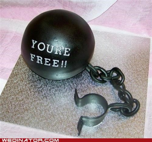 ball and chain,divorce,divorce cake,funny wedding photos