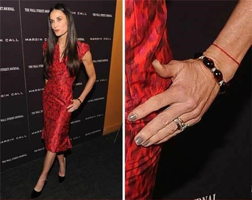 Demi Moore Still Wearing the Ring of the Day