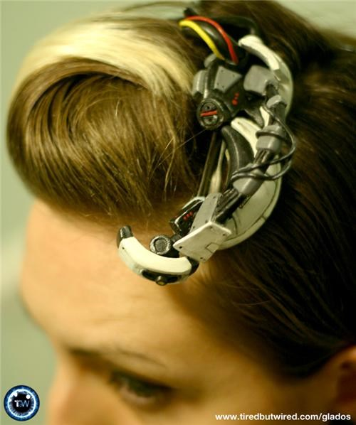 GLaDOS Hair Accessory of the Day