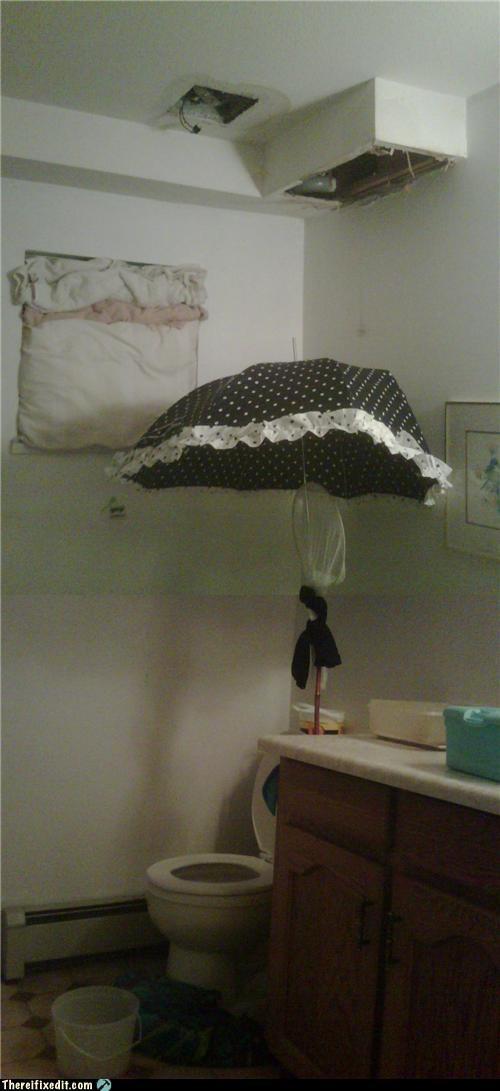bathroom kludge,toilet,umbrella