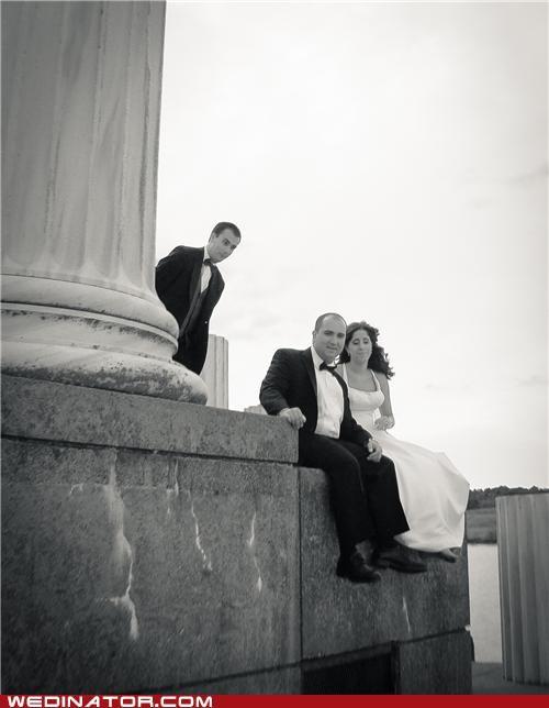 bride,funny wedding photos,groom,groomsman,photobomb