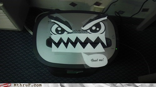 feed me,moar-paper,paper shredder