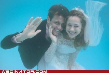 bride,funny wedding photos,groom,underwater