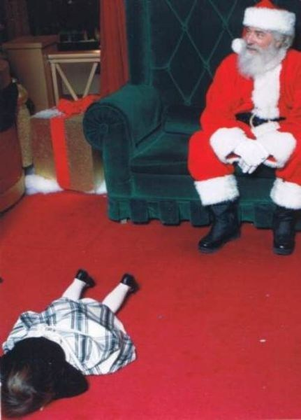 Sketchy Santas: She Thinks Mall Santas Are About As Awesome As Planking
