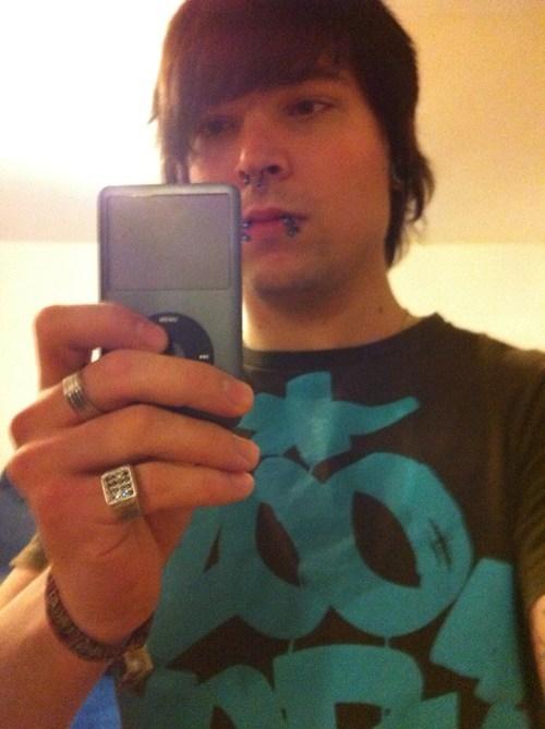 ipod,self portrait,self poortrait