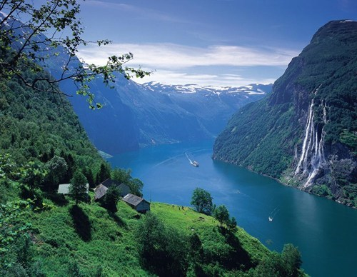 blue,europe,fjord,geographic formations,getaways,green,mountains,Norway,scandinavia,water