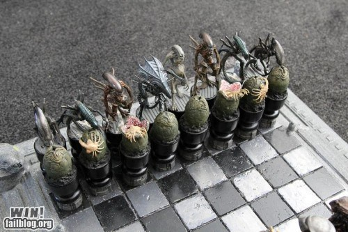 Alien Chess Set WIN