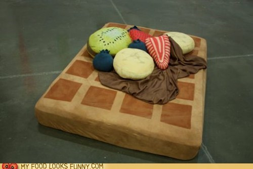 bed,blanket,cushions,pillows,waffle
