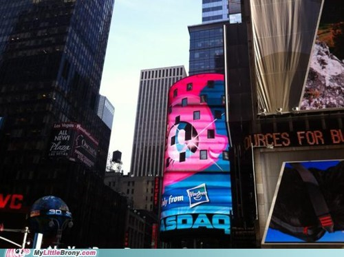 Pinkie Pie in Times Square